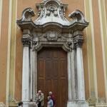Portal der Kirche Santa Maria Assunta