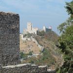 Blick von der Rocca Mindre zur Rocca Maggiore