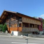 Renovierte Chalet mit modernem Anbau in Spiezwiler