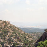 Im Hintergrund Agios Nikolaos