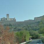 Anfahrt auf Assisi