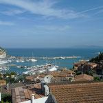 Blick auf den Hafen vom Aufstieg