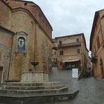 Links die Collegala di San Michele Arcangelo