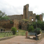 Ruine der Rocca Aldobrandesca vor Sovana