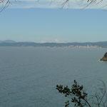 Im Hintergrund die Stadt Follonica