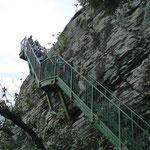 Stahltreppen für den Abstieg