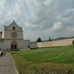 Basilika mit Statue 'Franziskus Rückkehr'