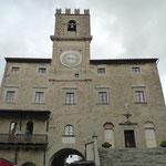 Rathaus an der Piazza della Repubblica
