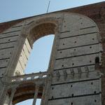 Die Facciatone, Fassadenteil nicht vollendeten Doms