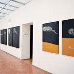 """Esposizione delle opere """"Sospensioni"""" - corridoio"""