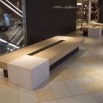14F エスカレーター横 特注木製ベンチ