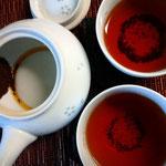 陶器網タイプだと、茶葉が多少出てしまうので茶こしを使ったほうがよいかも。