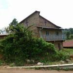 ギドンゴ製茶工場へ行く途中にも教会があります