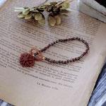 作家:yohaku 品名:bracelet「dahlia -czech glass/vintage red-」 サイズ:長さ約15.5cm 価格:5,940円(税込) 送料:一律500円(クロネコヤマトコンパクト利用) 素材:14kGF金具、チェコガラスビーズ、ヴィンテージシードビーズ