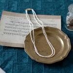 作家:yohaku 品名:necklace「眠りにつくまえに」サイズ:長さ約40cm 価格:17,280円(税込) 送料:一律500円(クロネコヤマトコンパクト利用) 素材:14kGF金具、淡水パール