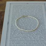 作家:yohaku 品名:bracelet「tous les jours」 サイズ:長さ約15cm      価格:5,184円(税込) 送料:610円〜(ゆうパック60サイズ、地域により価格が異なります。) 素材:金具(14KGF→金属アレルギーの方ご注意)、淡水パール