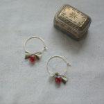 hoop pierce「枯れ草の中に色づくもの」別写真