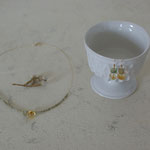 作家:yohaku 品名:「木漏れ日」 pierce(SOLDOUT) & necklace サイズ:p/約1.4cm n/約41cm 価格:p/5,400円(税込) n/8,640円(税込)別売可  送料:610円〜(ゆうパック60サイズ、料金は地域別) 素材:p/14kGFピアスフック(金属アレルギーの方はご注意)、シトリン、フローライト n/14kGFフック金具、ナイロンコートワイヤー、シトリン、フローライト、ヴェネチアンシードビーズ、ヴェルメイユピン