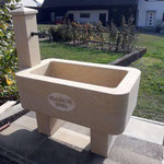 handwerklich gearbeiteter Brunnen