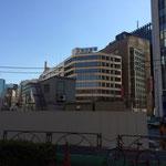虎ノ門の交差点、主人の親友、森村さんのビルが見える。