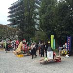 各学部が競って神輿を制作、重厚なもの~可愛いメルヘンチックな物まで、人気投票