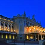 Casino de Monte-Carlo  Südseite. Terasse im Sommer mit Spielbetrieb