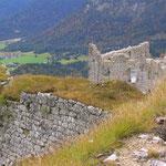 Ruine Schlosskopf, oberhalb von der Ruine Ehrenberg.