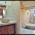 Romantic Junior Suite bath room