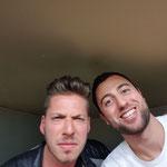 Mit Joël von Mutzenbecher nach gemeinsamem Auftritt an der SRF-3 Talentstage, ComedyHaus Zürich.