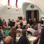 """Beim Abschiedsessen im Restaurant """"Mein Herz""""  -  Chor """"Credo"""""""