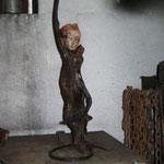 """Tänzerin """"Töpferkunst, Schwemmholz, Schmiedeeisen"""""""