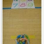 湘南まるめろ保育園では輪投げを楽しみました♪