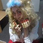 湘南まるめろ保育園にいたキャサリン。こちらは少し怖めのバージョン。ドアをノックすると「お開けなさい♪」と呼び込みます。