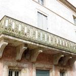 Balcon en pierre de Viviane