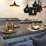 Küche mit Wandfliesen