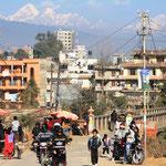Patan mit Himalaya im Hintergrund