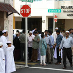 Menschen unterschiedlicher Religionen in Singapur