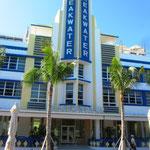 Der Ocean Drive, die Flaniermeile von Miami Beach, führt direkt durch den Art Déco District. Viele der Art-Déco-Gebäude werden heute als Hotels genutzt