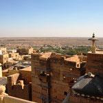 Jaisalmer, Hintergrund die Wüste Thar