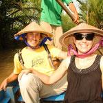 Unterwegs in den kleinen und schönen Kanälen im Delta