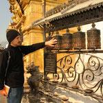 Gebetsmühlen bei der Stupa