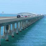 Der Overseas Highway ist der südlichste Abschnitt des U.S. Highways 1 in Florida, USA. Der 205 Kilometer lange Highway verbindet 40 Inseln der Florida Keys miteinander und reicht von Homestead bis nach Key West.