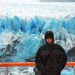 Der Gletscher wächst immer noch. Er kommt pro Tag bis zu 2 Metern voran.