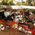 Da die Tempelanlagen auf einer Gesamtfläche von mehr als 200 Quadratkilometern verteilt sind, engagiert man am besten einen Tuktuk Fahrer. Hier unser Fahrer, Net, er kam jeden Morgen etwa eine halbe Stunde zu spät. Naja, andere Länder, ander Sitten!! :)