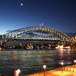 Die Harbour-Bridge by Night