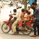 Nach der Übernahme Phnom Penhs durch die Roten Khmer unter der Führung Pol Pots entfachte eine der weltweit blutigsten Revolutionen.