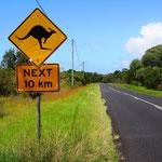 Man Fährt hunderte von Kilometern in Australien