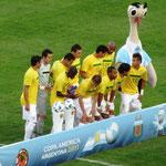 Die Brasilianische Seleção. Schau da, Lucio ist immer noch dabei und er spielt immer noch so steif Fussball wie immer! Verteidigt aber natürlich gut!! :)