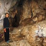Höhlenbesichtigung mit Frau Dong