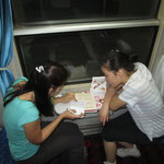 Franziska bekommt Chinesischunterricht